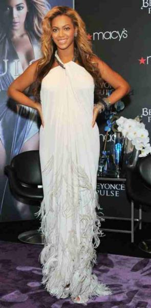 Самые красивые платья 2011 года мода